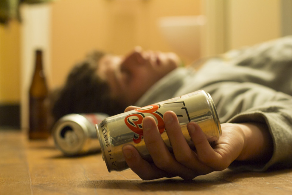 Alcohol energy drinks aeds in student drinking community